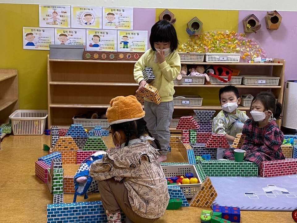 코로나19 속 어린이집 모습(사진=강동구)
